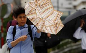 """סופת הטייפון """"פקסאי"""" ליד טוקיו ביפן (צילום: רויטרס)"""