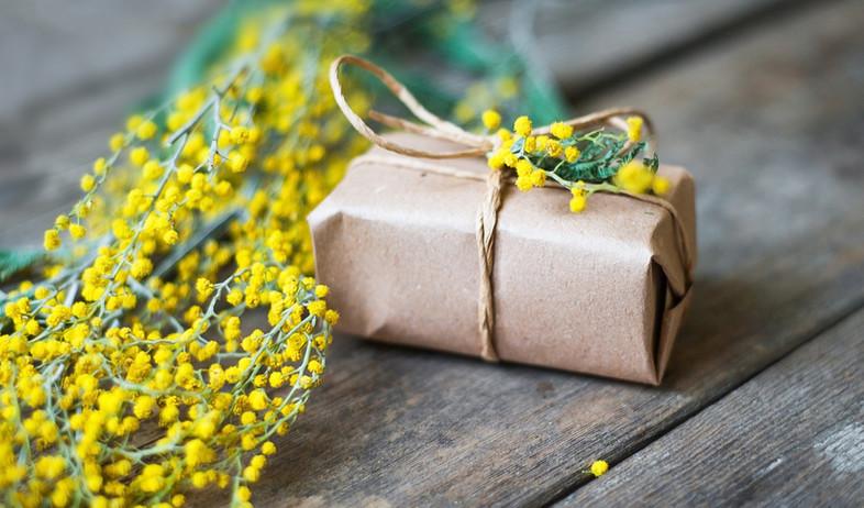 מתנה עטופה (צילום: vergor, Shutterstock)