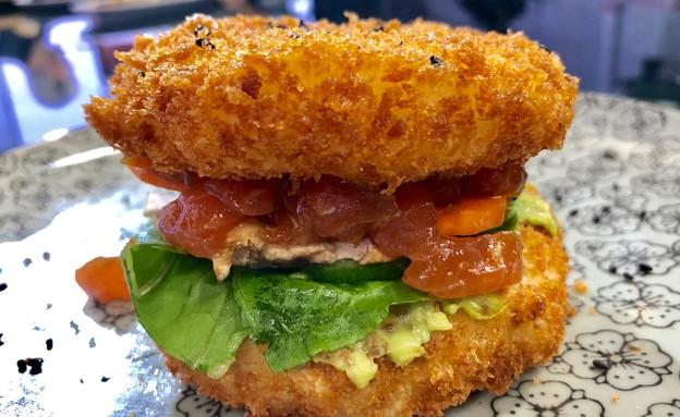 סושינא סושי המבורגר  (צילום: ריטה גולדשטיין, אוכל טוב)