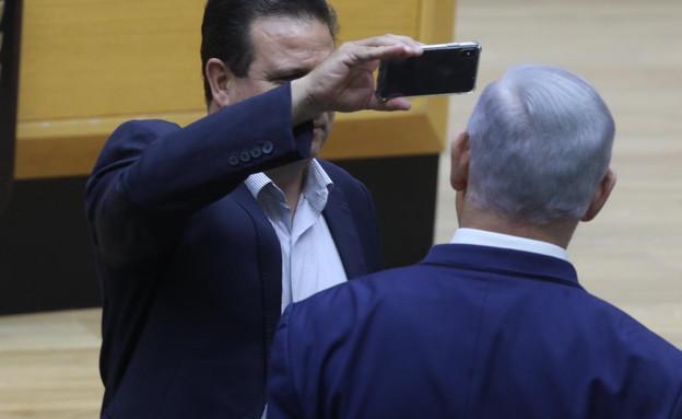 איימן עודה תוקף את נתניהו בדיון על חוק המצלמות (צילום: יצחק הררי, דוברות הכנסת)