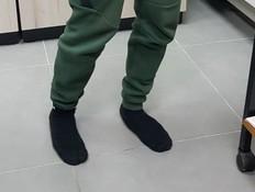 נער שהה לילה שלם בתא המעצר - ללא נעליים