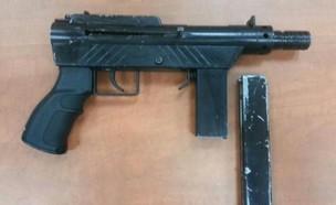 רובה מאולתר שנמצא אצל נער בן 15 (צילום: דוברות המשטרה)