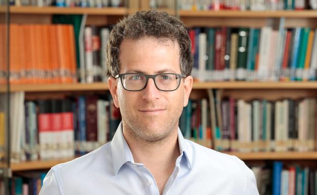 """ד""""ר אסף שפירא, חוקר במכון הישראלי לדמוקרטיה"""