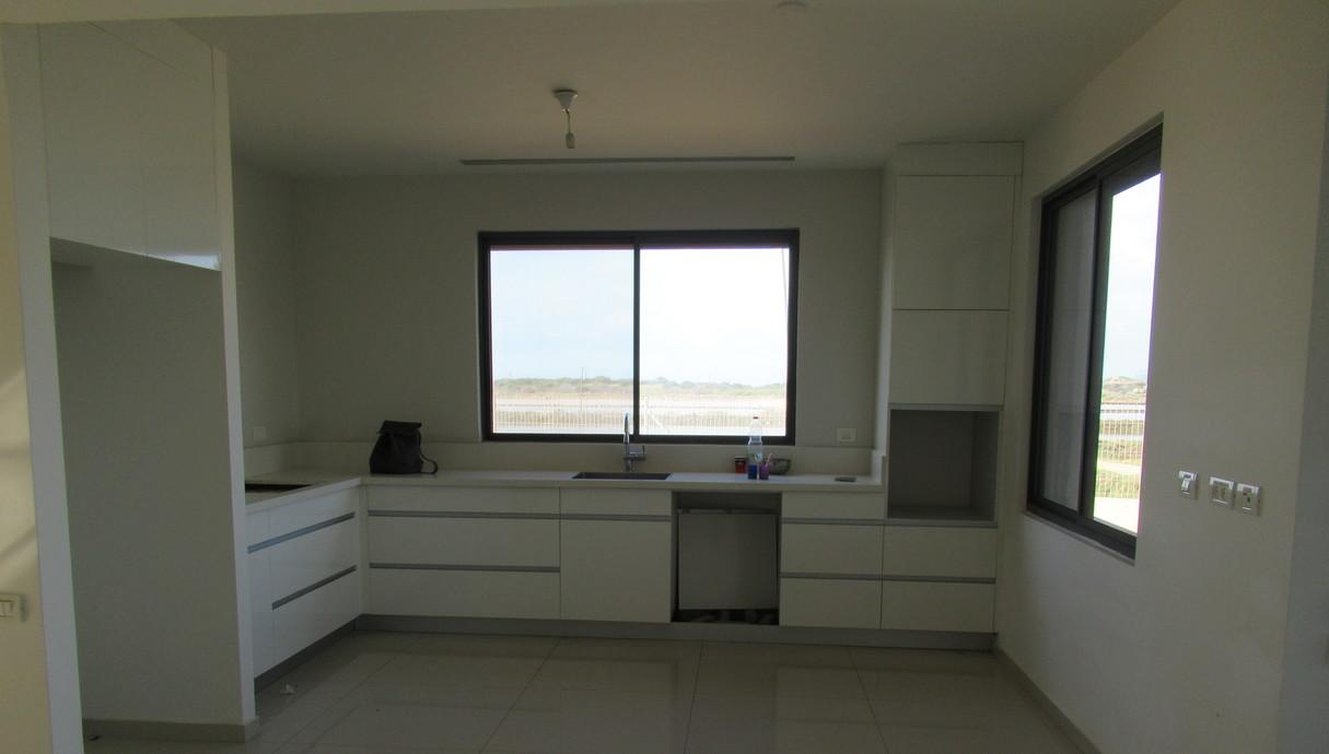 בית בחוף הכרמל, עיצוב מיכל מטלון, לפני שיפוץ