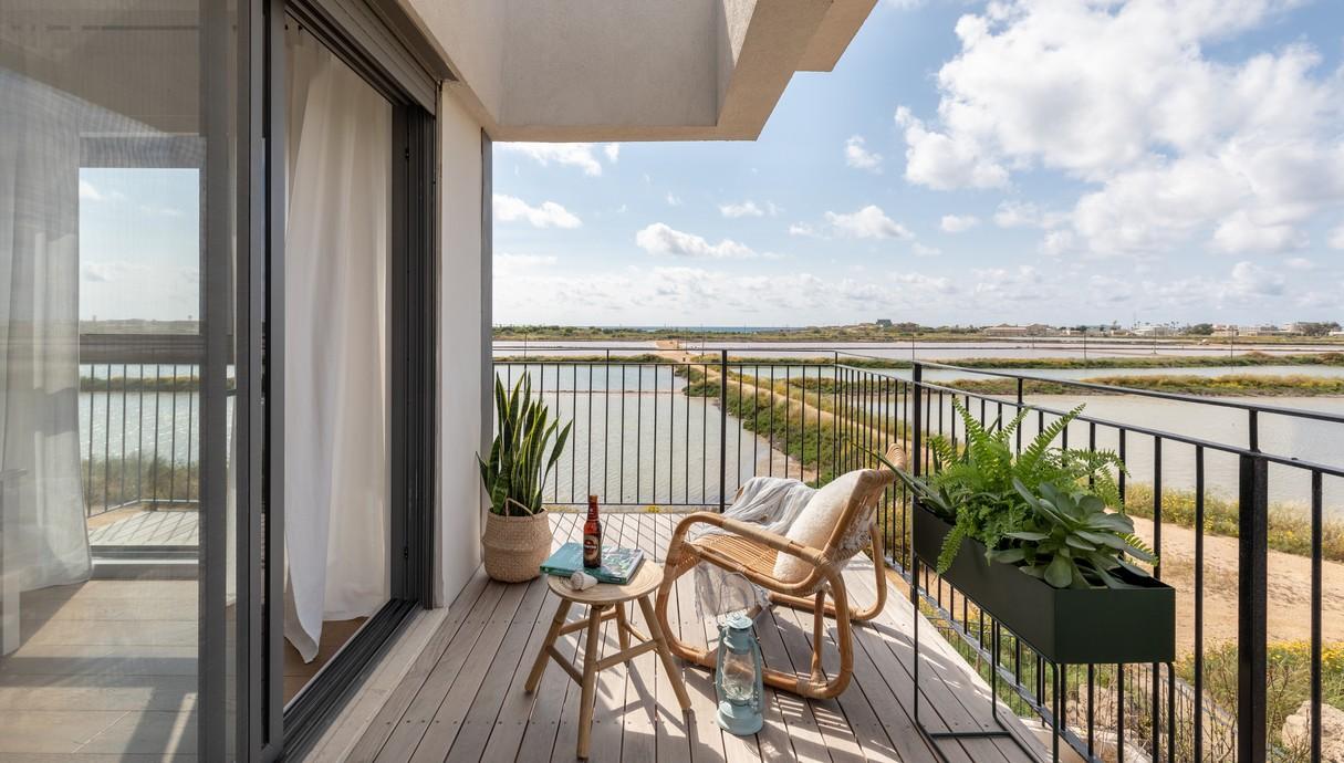 בית בחוף הכרמל, עיצוב מיכל מטלון