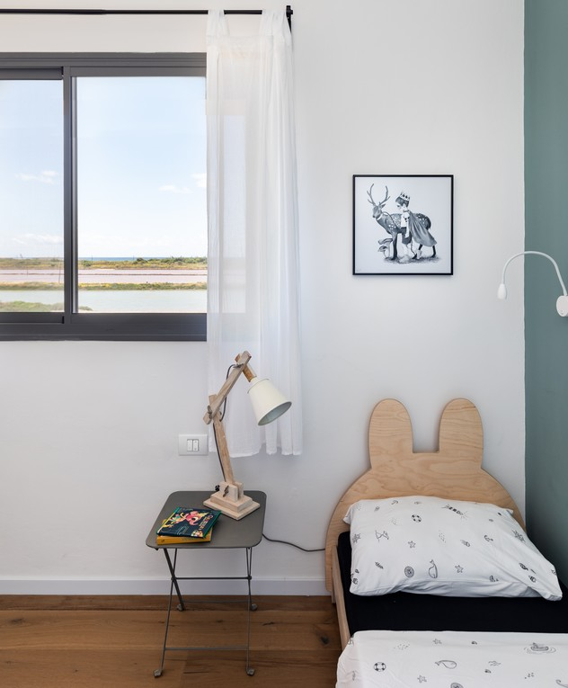 בית בחוף הכרמל, ג, עיצוב מיכל מטלון