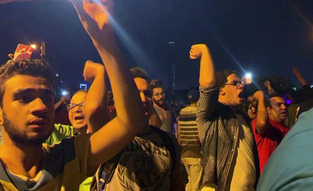 מחאה בקהיר נגד השלטונות (צילום: רויטרס, שי פרנקו,רויטרס)
