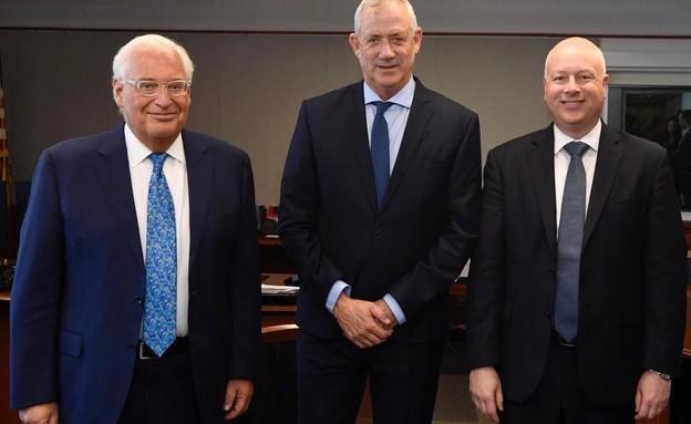 גנץ נפגש עם פרידמן וגרינבלט (צילום: Matty Stern / U.S. Embassy Jerusalem)