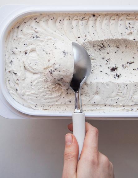 גלידה רכה (צילום:  Eva Orlova, shutterstock)