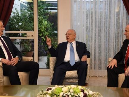 """פגישת הנשיא עם נתינהו וגנץ (צילום: עמוס בן גרשום, לע""""מ)"""