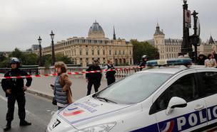 זירת הפיגוע בפריז (צילום: רויטרס)