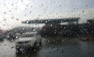 גשם בהרי ירושלים (צילום: חוסין אל אוברה)