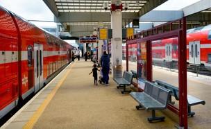 רכבת ישראל (צילום: ChameleonsEye, shutterstock)