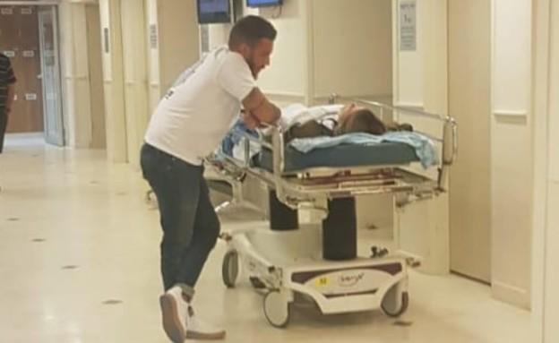 גל גברעם בבית חולים (צילום: אלון חן, פרטי)