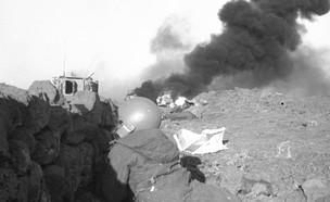 """חיילי ארטילריה בתעלת סואץ (צילום: עוזי קרן, במחנה באדיבות ארכיון צה""""ל במשרד הביטחון)"""
