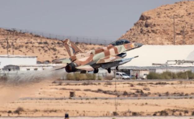 מטוס סופה 16-F (צילום: דובר צה
