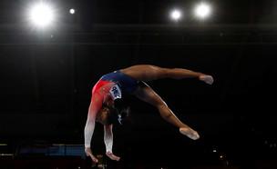 סימון ביילס באליפות העולם בגרמניה (צילום: reuters)