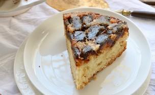 עוגת תמרים הפוכה (צילום: קרן אגם, אוכל טוב)