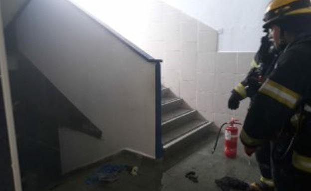 """השריפה בבית הספר """"ניצנים"""" בחדרה (צילום: דוברות כבאות והצלה)"""