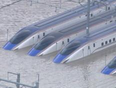 """""""הכול הפך לים"""": כך נראים נזקי הטייפון הקטלני ביפן"""