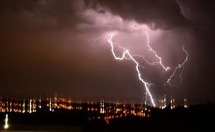 סופות ברקים באזור בנימין (צילום: TPS)