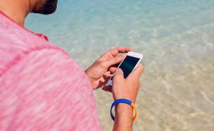 מציל נדקר בגלל ויכוח על שימוש בטלפון בעבודה (אילוסטרציה: Shutterstock | By Svitlana Sokolova)
