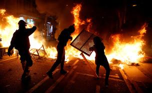 הפגנות בברצלונה (צילום: רויטרס)