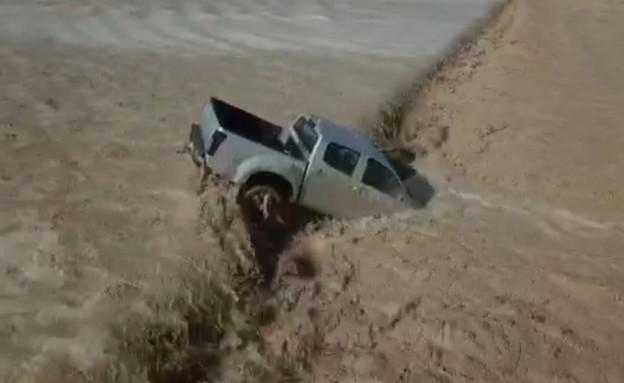 שיטפון בנחל ערבה (צילום: עומר עדין)