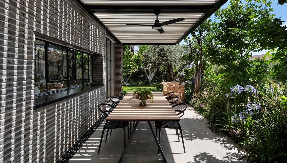 בית בשרון, עיצוב סמט אדריכלים