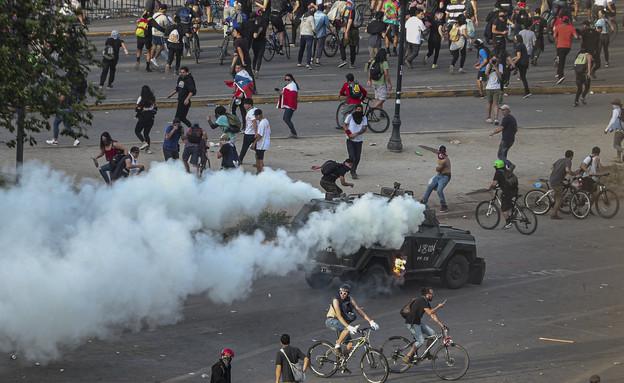 המהומות בסנטיאגו, צ'ילה (צילום: AP)