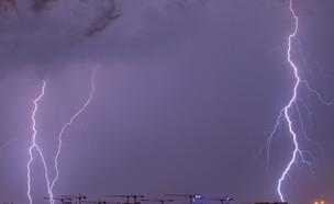 ברקים ורעמים (צילום: ארז כרמל)