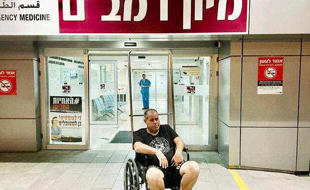 דניאל סיריוטי, עיתונאי ישראל היום, שהותקף באלימות  (צילום: הרצי שפירא, ישראל היום)