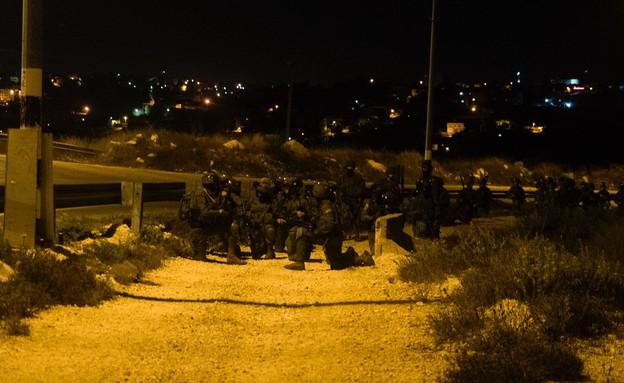 """פעילות צה""""ל וכוחות הביטחון באל-ערוב (צילום: דובר צה""""ל )"""