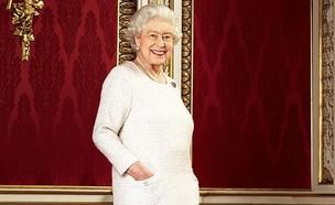 המלכה אליזבת (צילום: מתוך עמוד האיסנטגרם evokedotie)