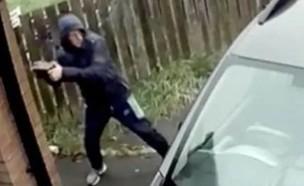גנב שהסתבך (צילום: צילום מסך יוטיוב)