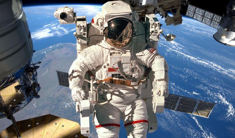 תחנת חלל (צילום: shutterstock By Andrey Armyagov)