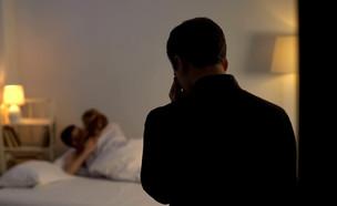 בגידה במלון (צילום: shutterstock | Motortion Films)