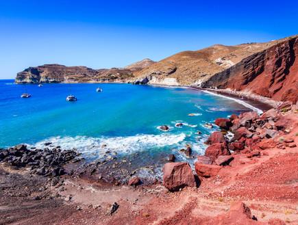 סנטוריני חוף אדום (צילום: shutterstock, Nadezda Barkova)