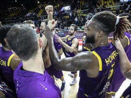 ניצחון שיחזרו אליו בסוף השנה? (FIBA)