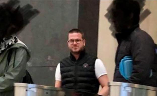 """סוכן הנסיעות שמבטיח חופשה חלומית ונעלם (צילום: מתוך """"חדשות הבוקר"""" , קשת 12)"""