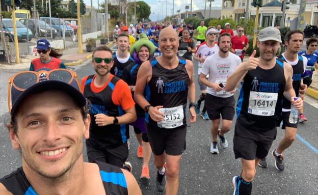 ניק באטר רץ מרתון בכל העולם