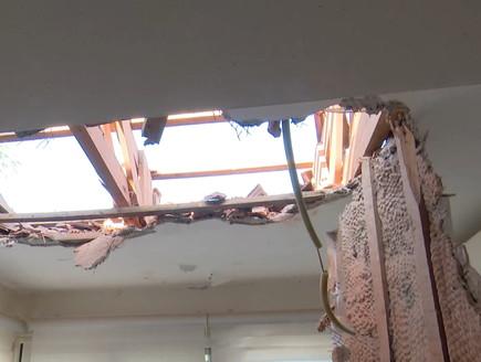 נפילה בבית בשדרות (צילום: החדשות 12)