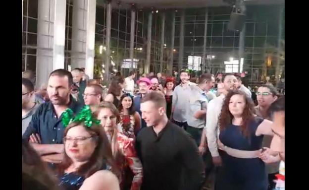 אזעקה באמצע חתונה ברחובות (צילום: דיווחי הרגע)