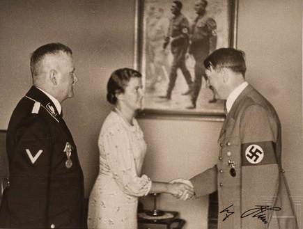 תמונה של היטלר שתעמוד למכירה