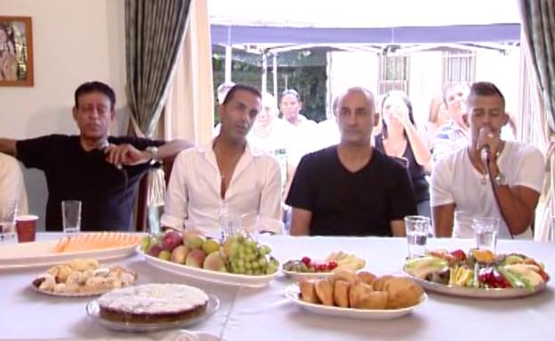"""בן אל ושימי תבורי שרים יחד (צילום: מתוך """"שישי שמח"""", ערוץ 24)"""