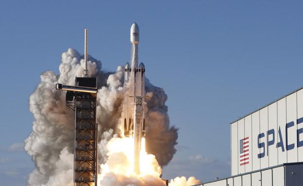 SpaceX, שיגור, לוויין, אילון מאסק (צילום: reuters)