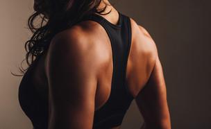 אישה באימון (צילום: shutterstock By Jacob Lund)