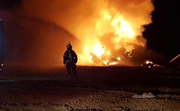 מסוק יסעור עולה באש (צילום: תיעוד מבצעי כבאות והצלה)