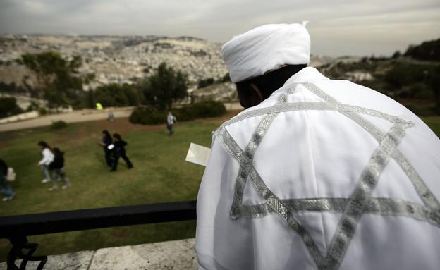 יוצא אתיופיה מתפלל בירושלים בחג הסיגד (צילום: אביר סולטן, פלאש 90)