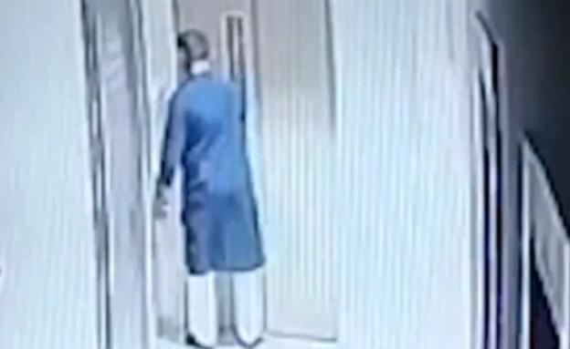 נכנס למעלית ונפל בפיר (וידאו WMV: יוטיוב\Ground zero E News)